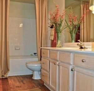 Firestone Upper West Side Apartments Bathroom