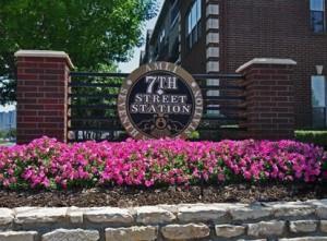 AMLI 7th Street Station Apartments Community Sign