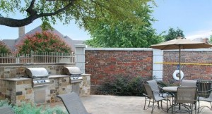 Highland Park Apartments Barbeque Area