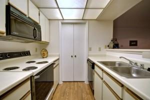 Villas of Oak Hill Apartment Kitchen